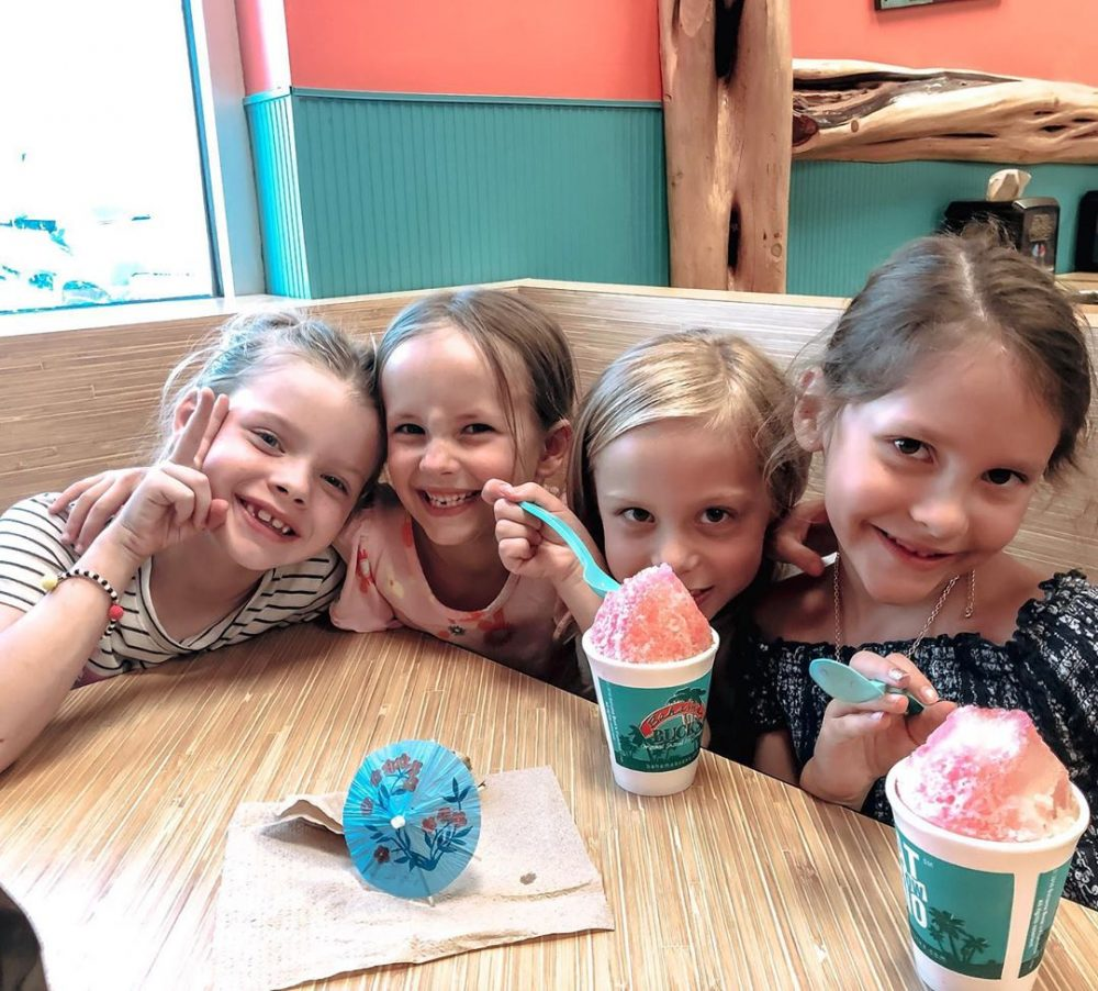 Kids-with-Bahama-Bucks-Snocone